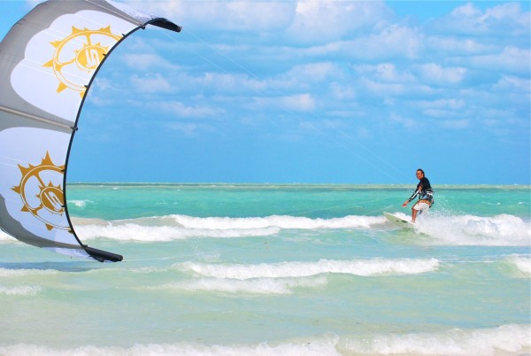 Kiteboarding in Cancun