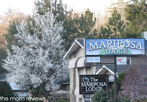 Mariposa Lodge #travel #FamilyTravel @YosemiteNation